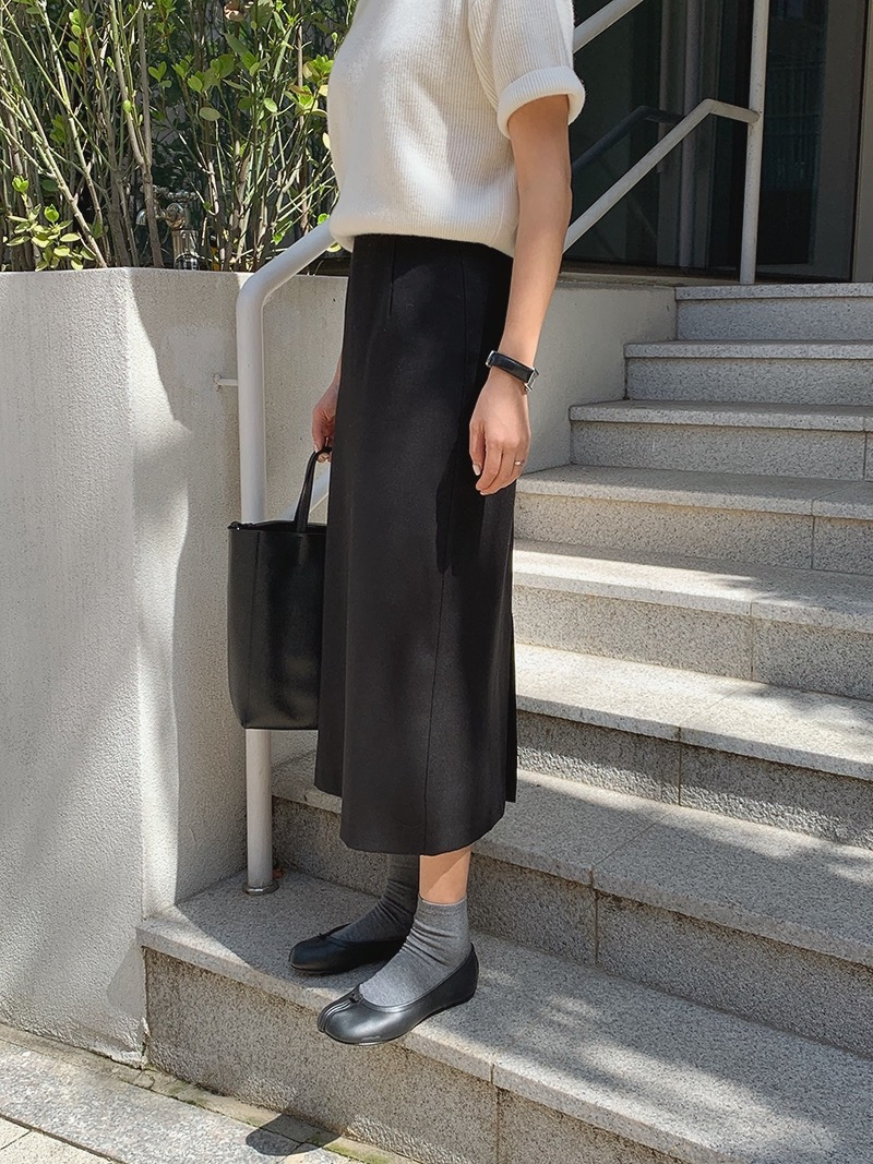 [MM.MADE♥] via skirt (black)